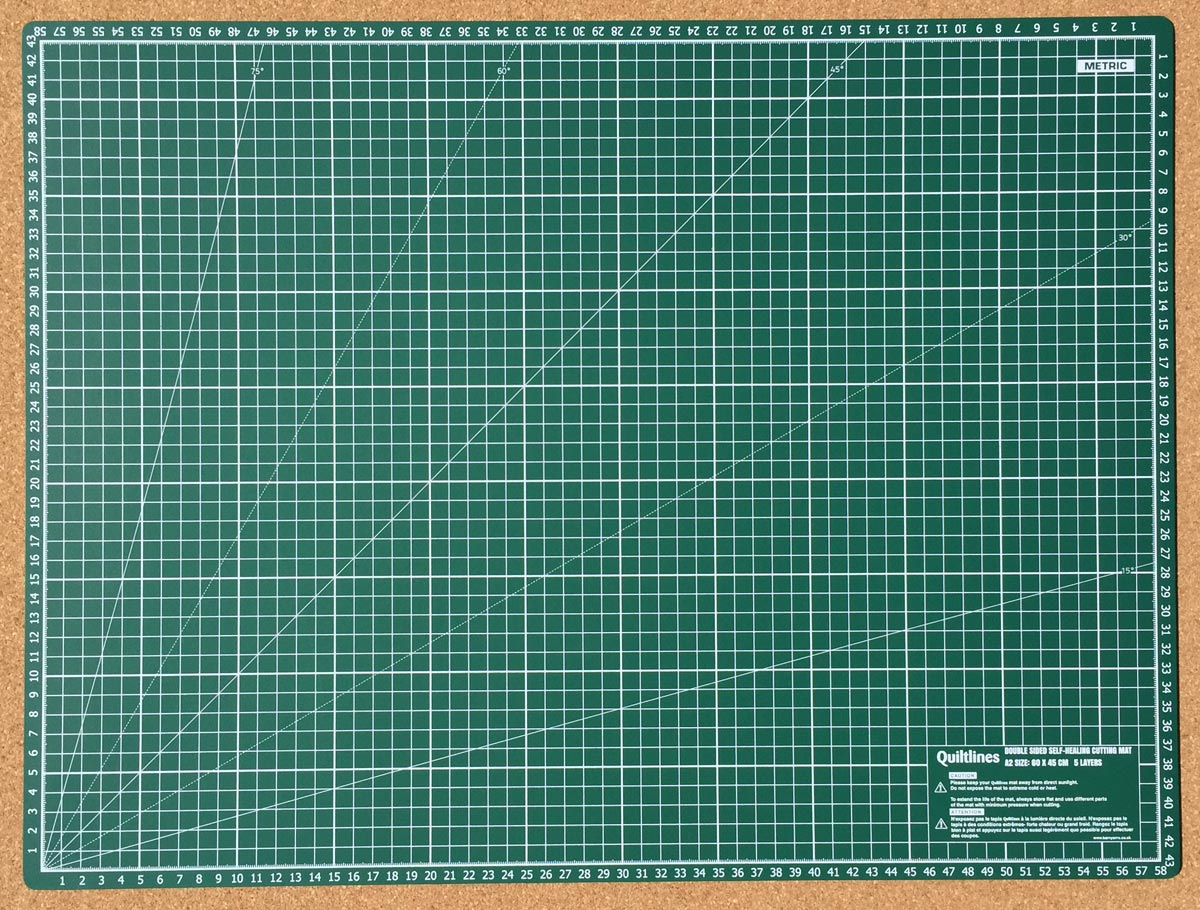 "Size A2 Double Sided Self Healing Cutting Mat with 5 Layers Imperial & Metric Size 24 x 18"" (60 x 45cm) by Quiltlines"